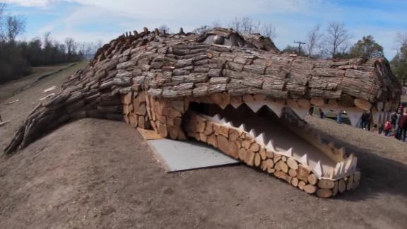 Photos: 78-foot alligator bonfire built to be set on Christmas Eve
