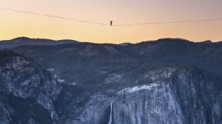 Yosemite Highline Feat