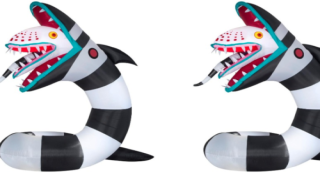 You Can Put A Giant, Inflatable Sandworm From 'Beetlejuice' In Your Front Yard This Halloween