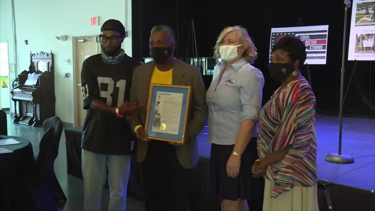 Family of Corey Jones and Delray Beach Mayor Shelly Petrolia hold 'Corey Jones Memorial Day' proclamation