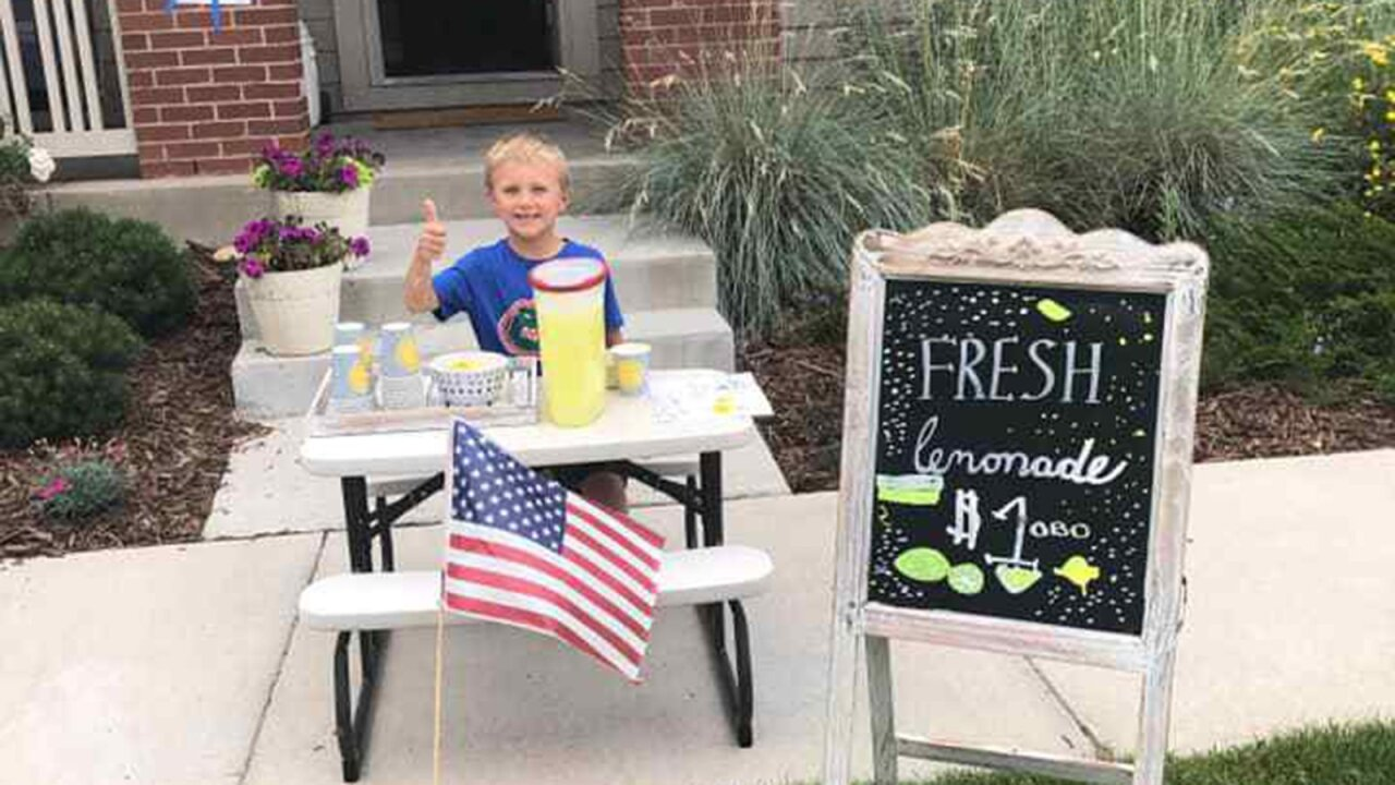 Lemonade Stand Mom Date