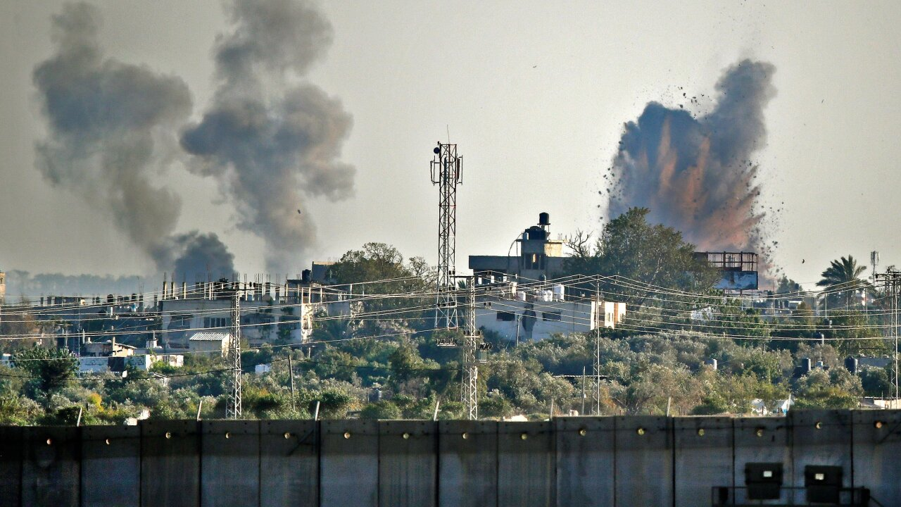 600 rockets fired from Gaza, Israel responds with airstrikes