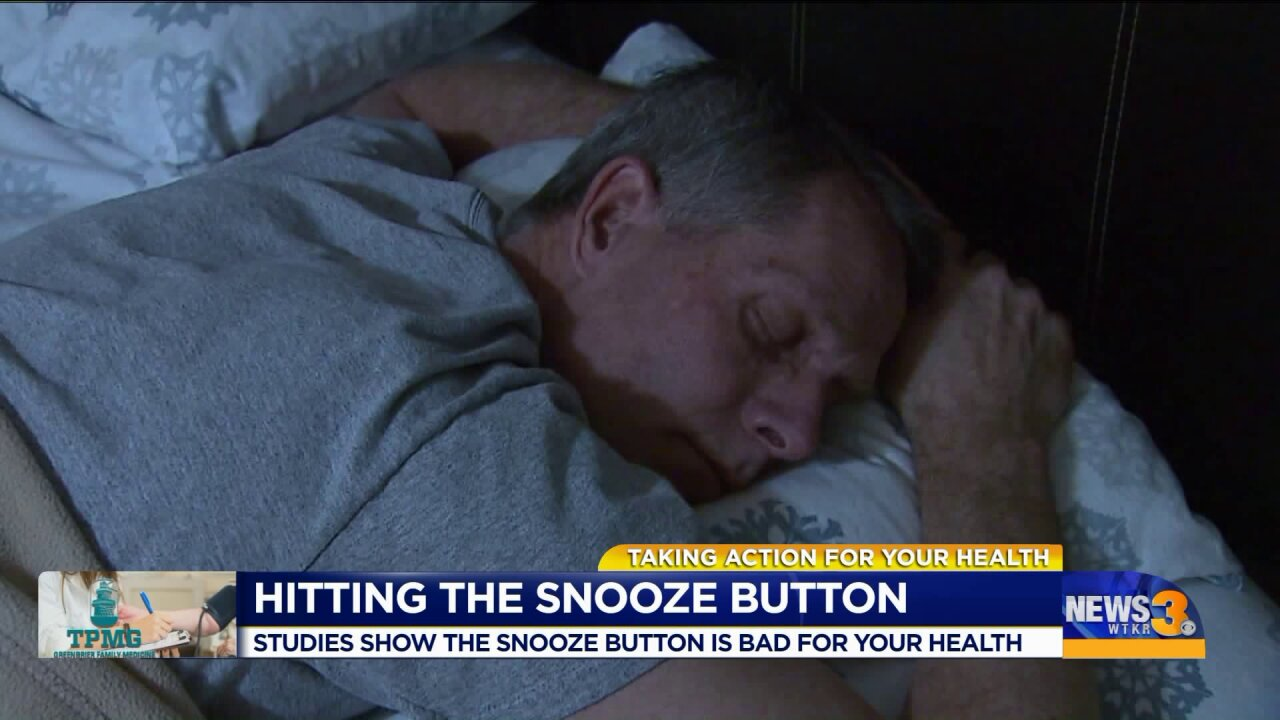Morning Rounds: Hitting the snooze button and your health