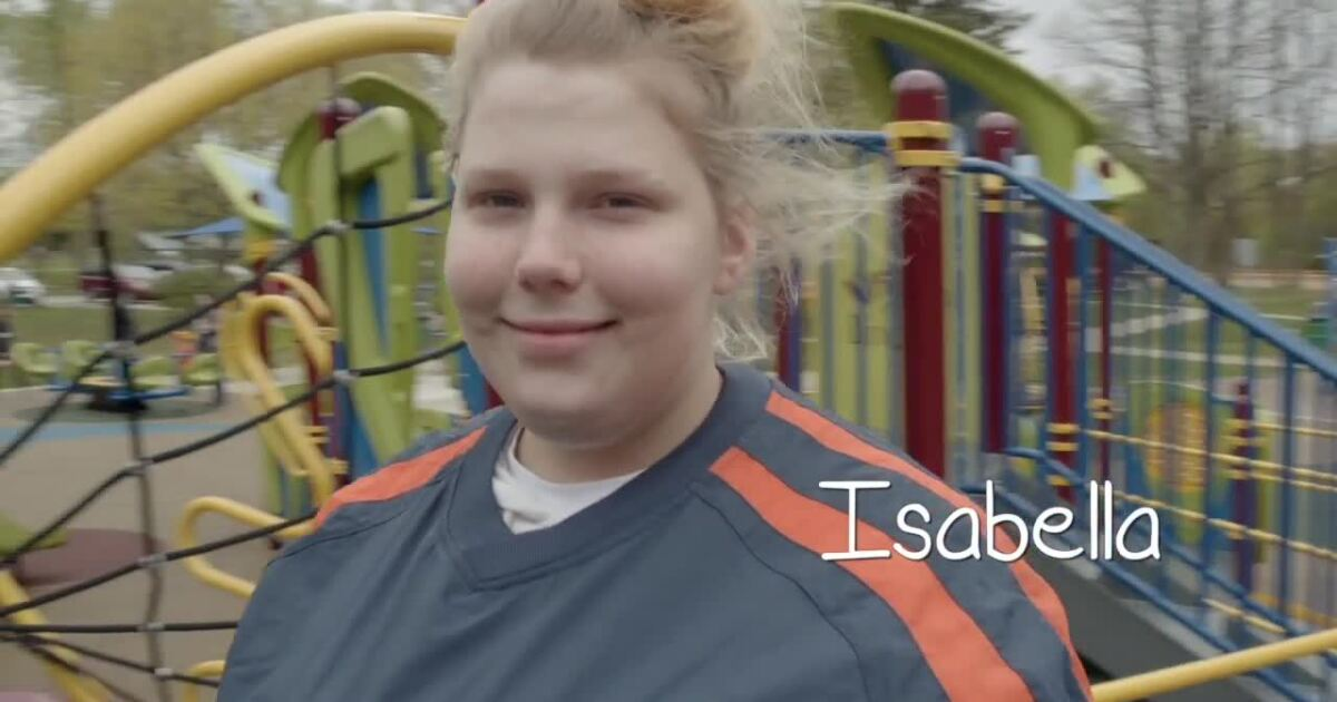 Isabella is a 16-year-old in foster care: 'I think it's important for teens to be adopted'
