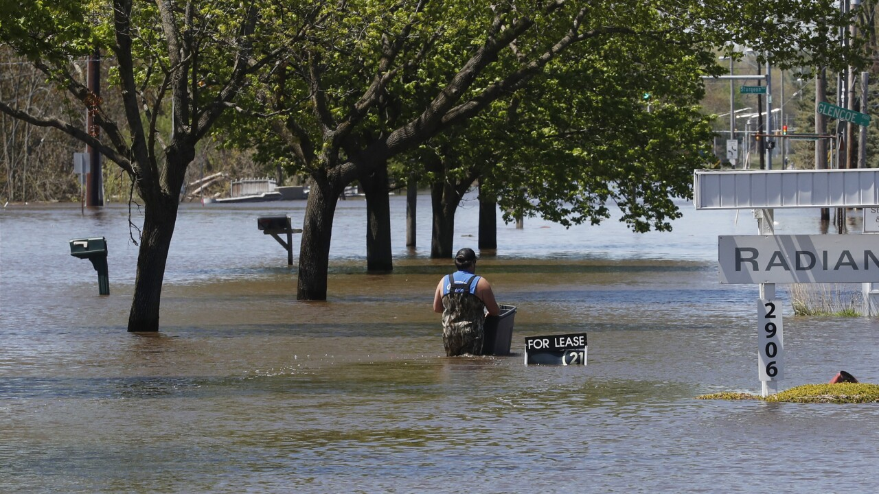 CORRECTION Midwest Flooding