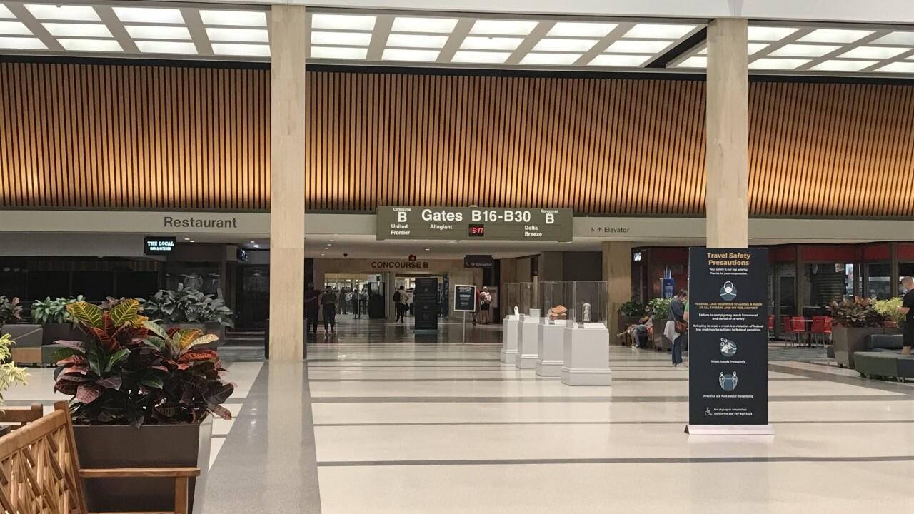 Norfolk international airport 1.jpg