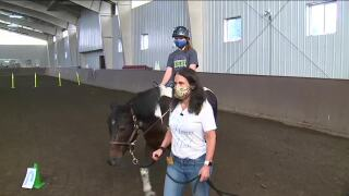 Denver7 Everyday Hero shares the healing power of horses with riders