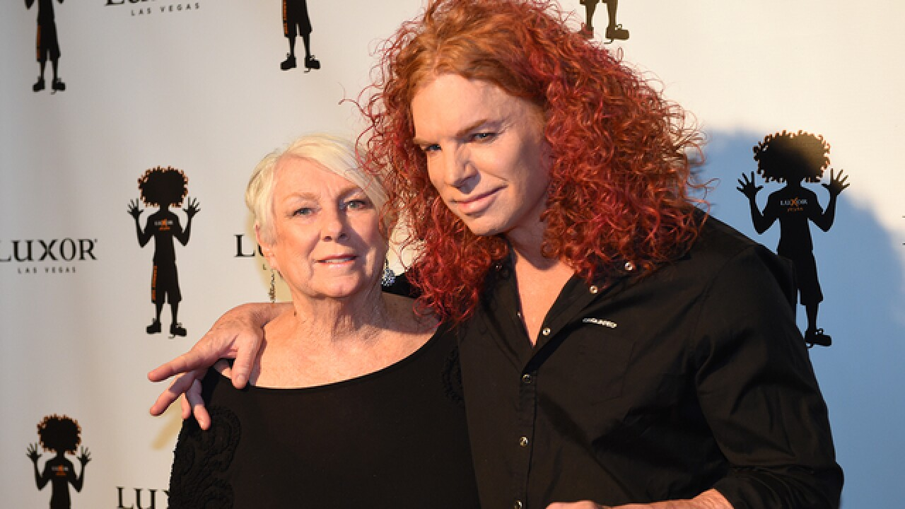 Carrot Top celebrates 10 years at Luxor