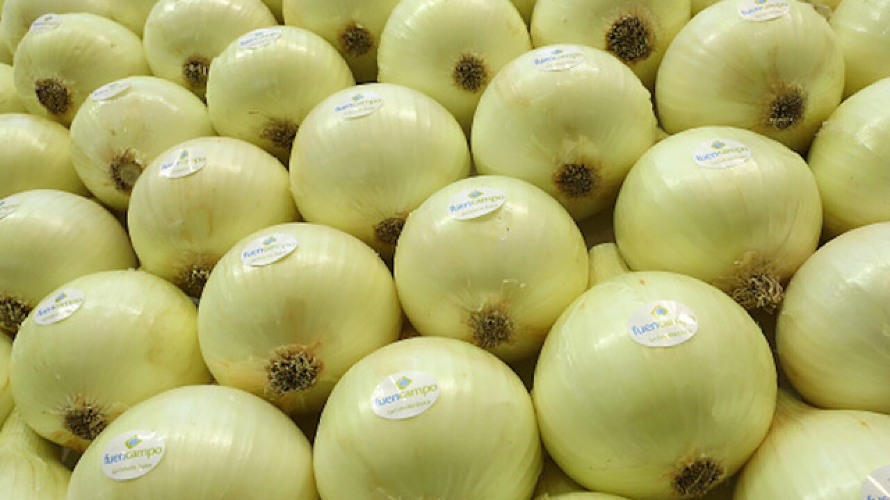 Argument over onions leads man to expose himself in restaurant