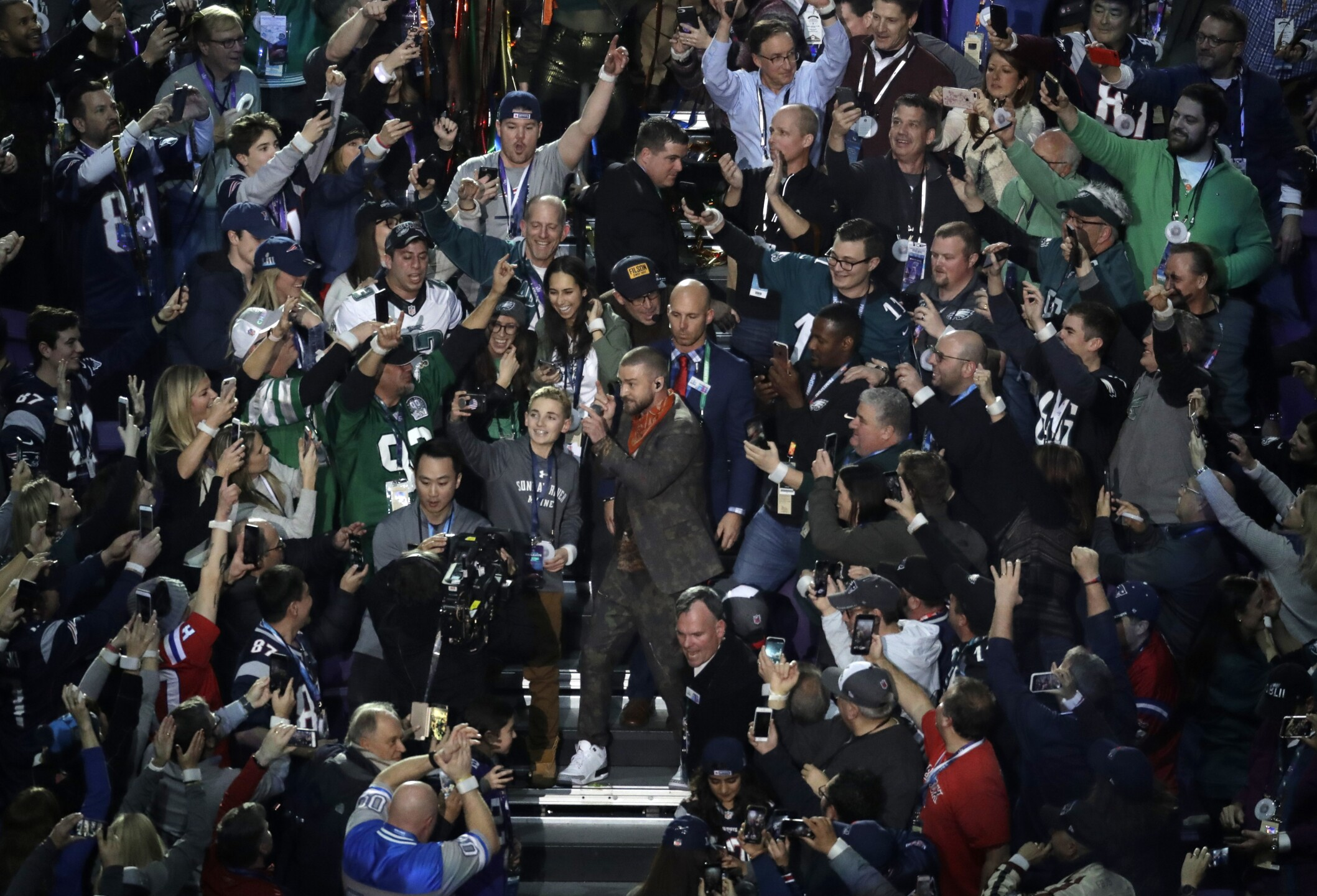Photos: Past Super Bowl halftime performances