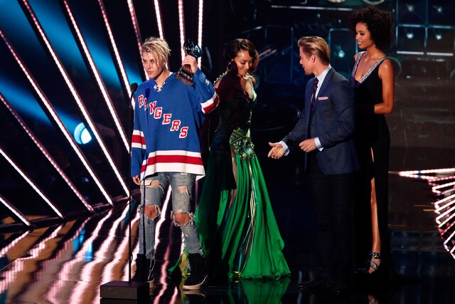 A look back: iHeartRadio Music Awards 2016