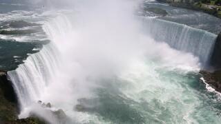Man's body found after failed Niagara Falls drop