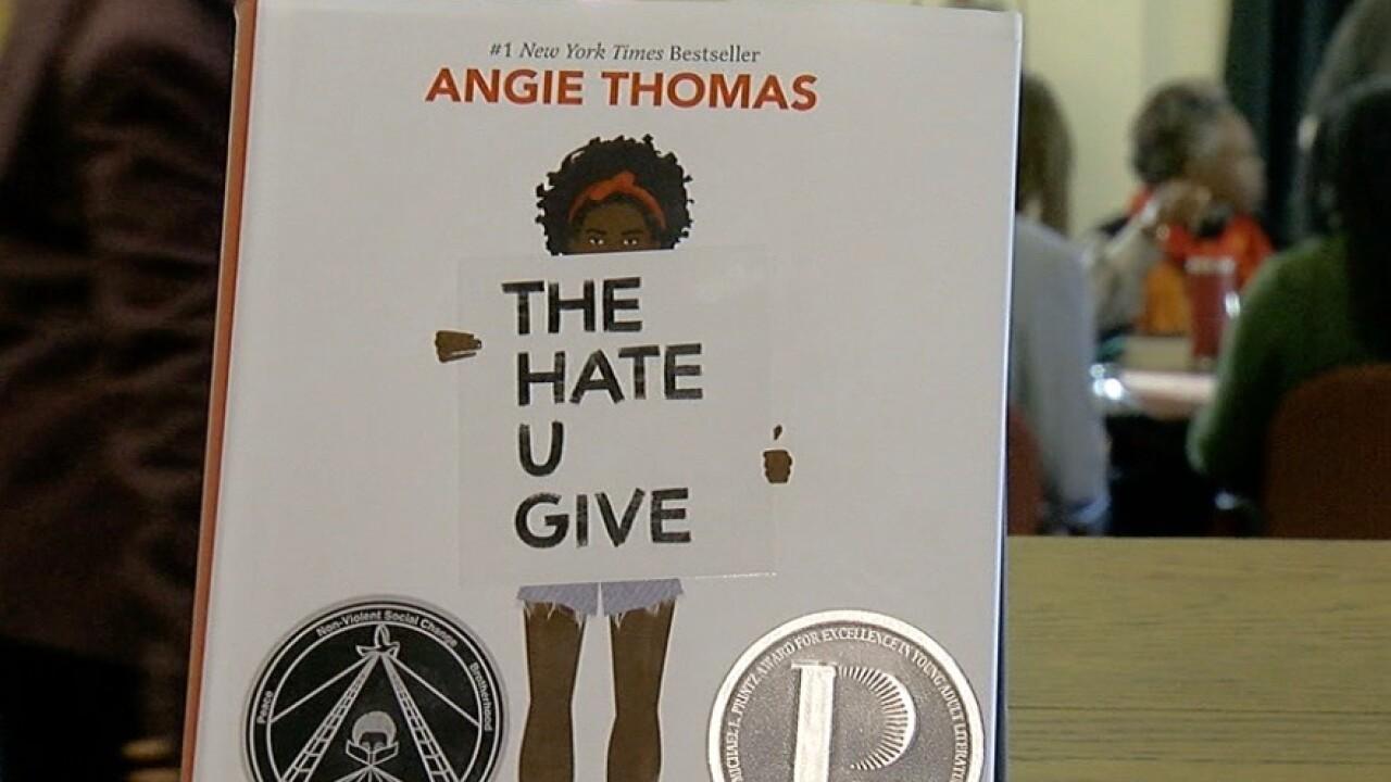 Hate_U_Give_book_cover.jpg