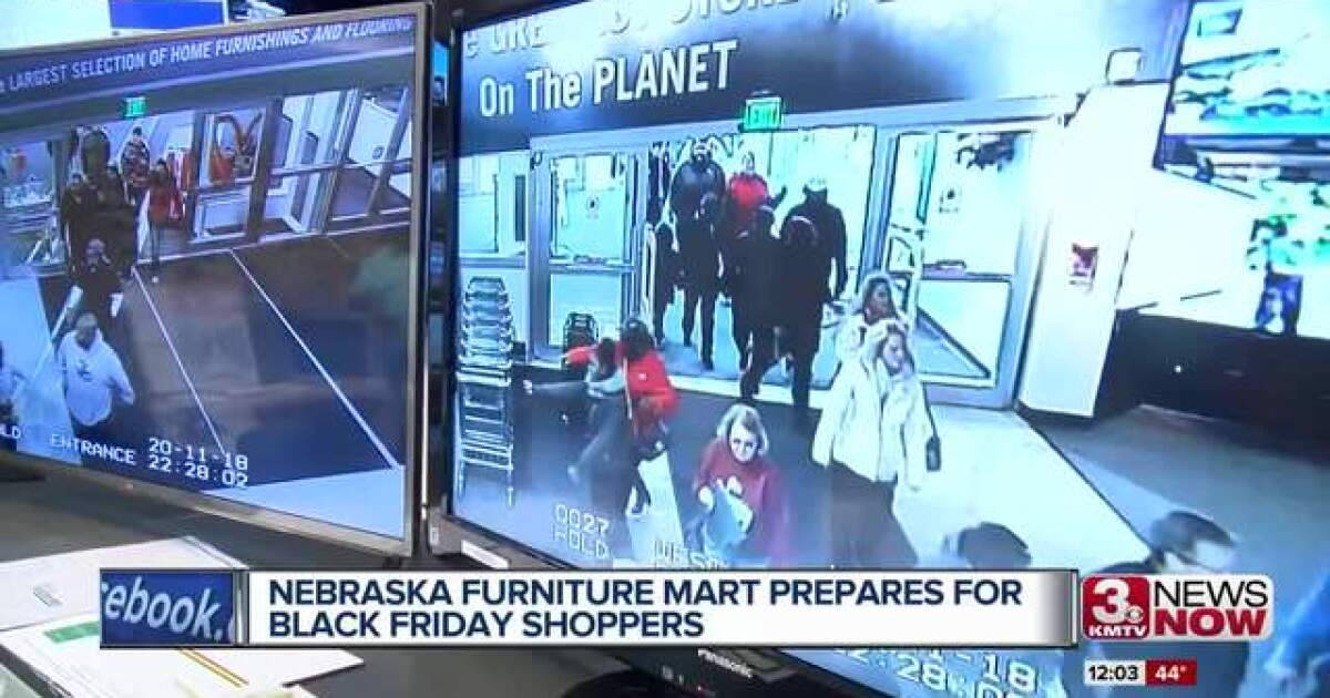 Nebraska Furniture Mart Prepares For Black Friday Shoppers Opens