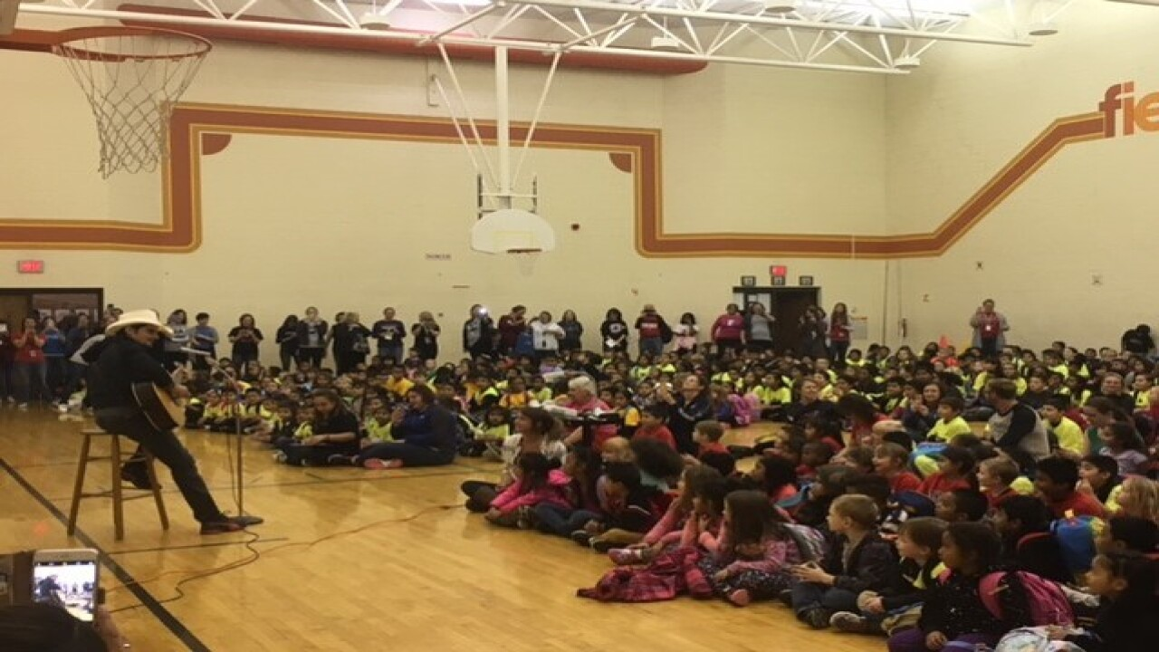 Brad Paisley makes surprise visit to Nebraska elementary school