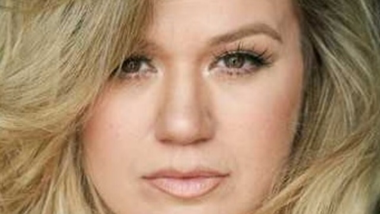 Kelly Clarkson coming to Green Bay's Resch Center