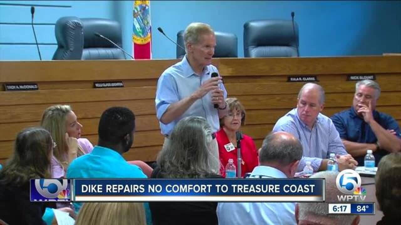 Sen. Bill Nelson hears concerns on algae