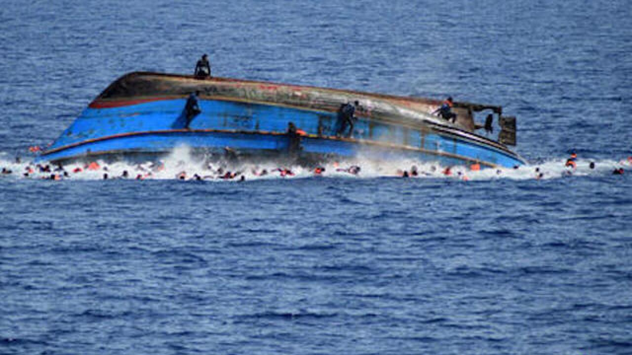 340 migrants dead or missing after shipwrecks