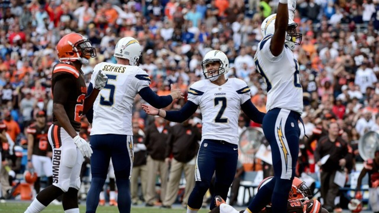 Chargers edge Browns on last-second FG