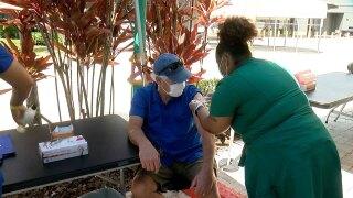vaccines-at-Florida-Aquarium-WFTS.jpg