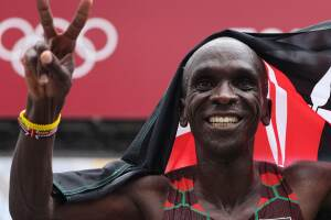 Kipchoge defends marathon gold, cementing title as greatest ever