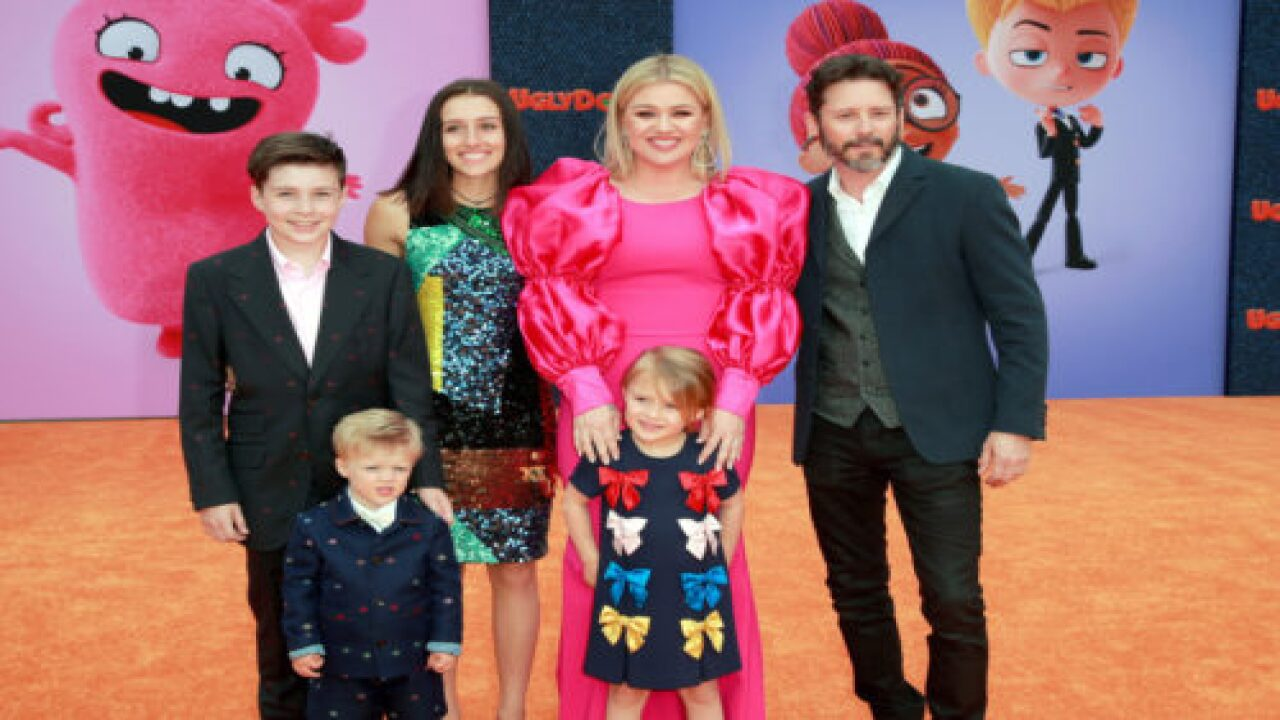 Kelly Clarkson Explains Why She Set Her Talk Show Schedule So She Could Still Take Her Kids To School