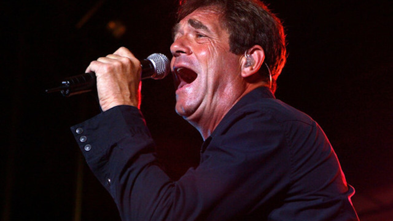 Huey Lewis cancels all future shows
