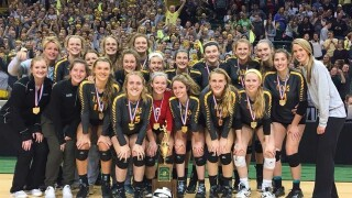 Ursuline volleyball team wins Division I state championship
