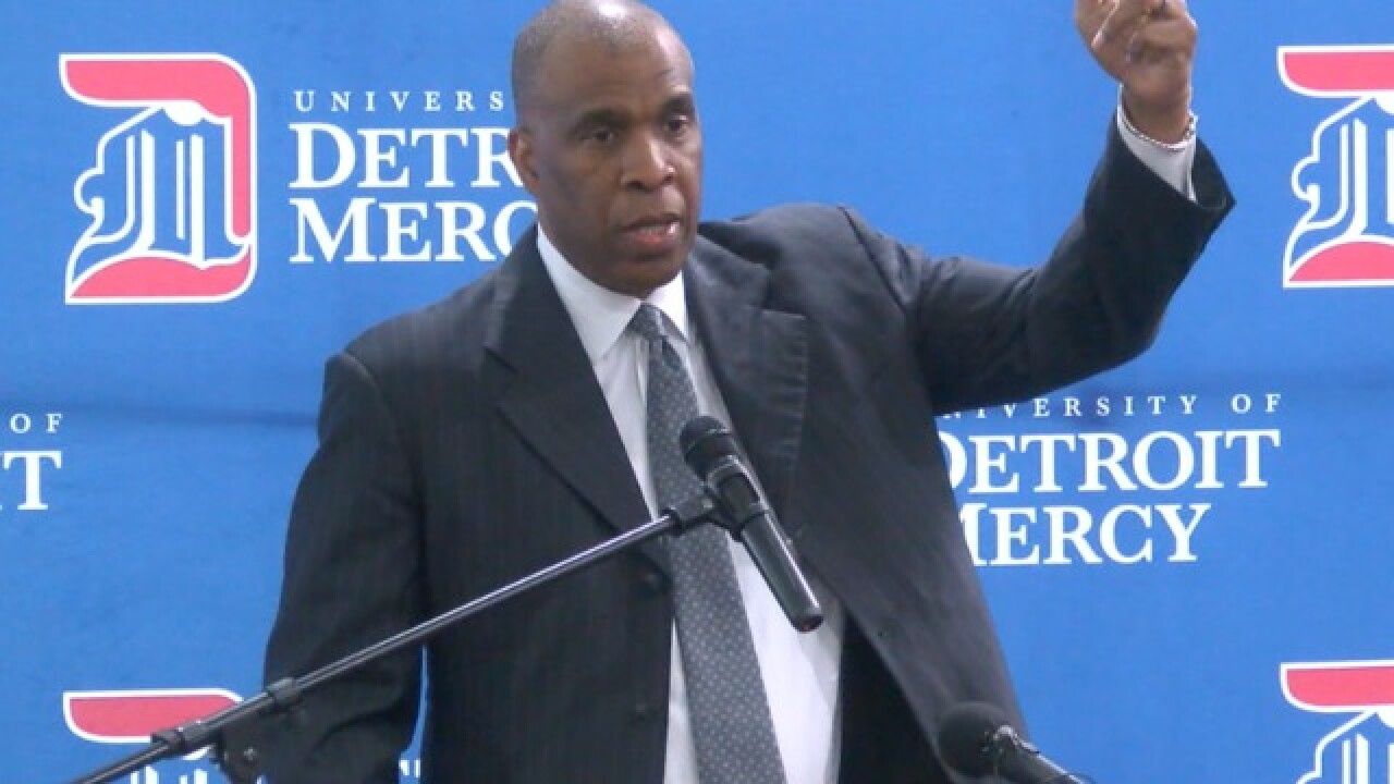 New Detroit Mercy coach Mike Davis believes he can turn program around in two months