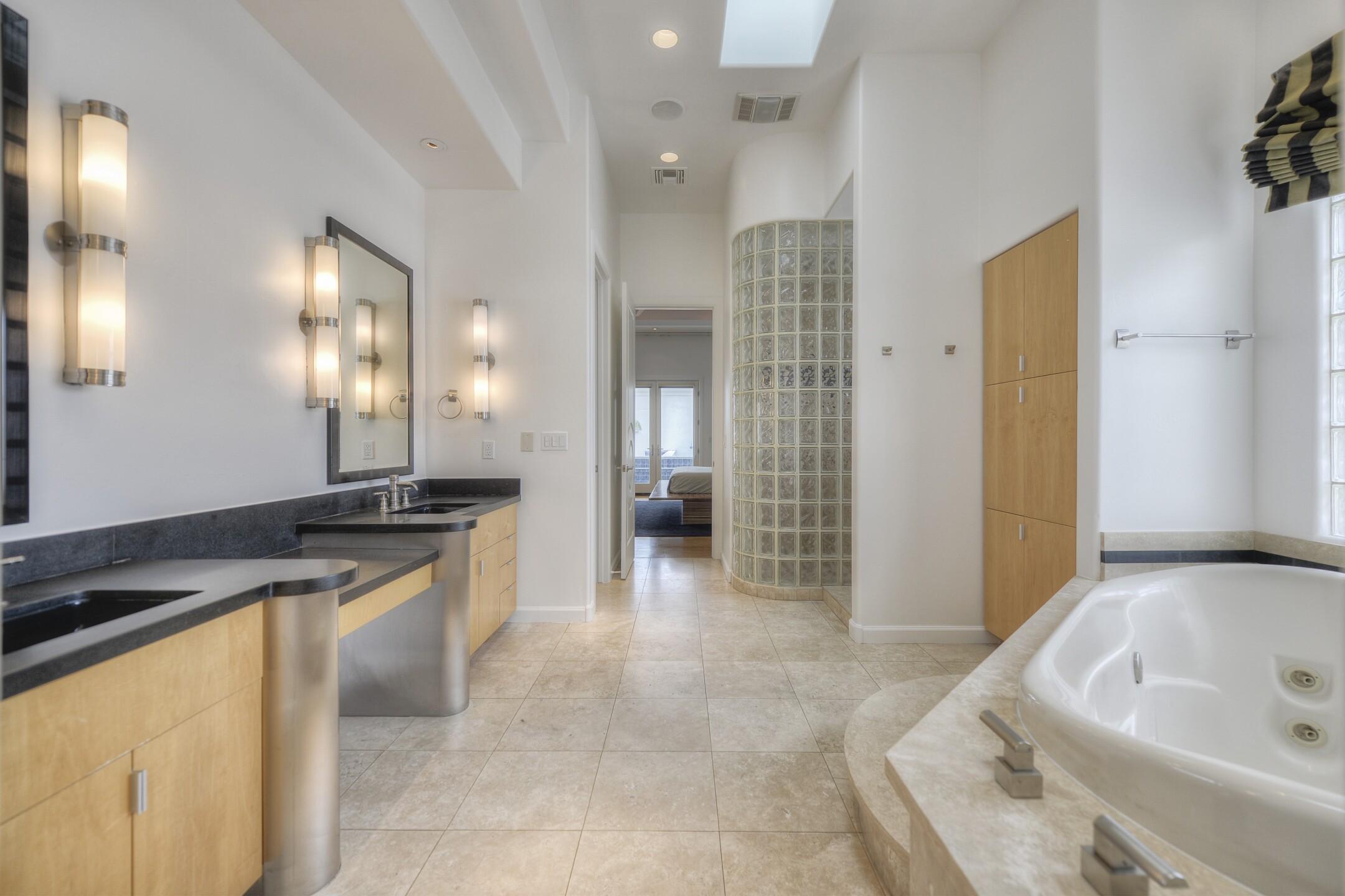 020_Master Bath.jpg