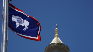 wyoming-flag-capitol.png