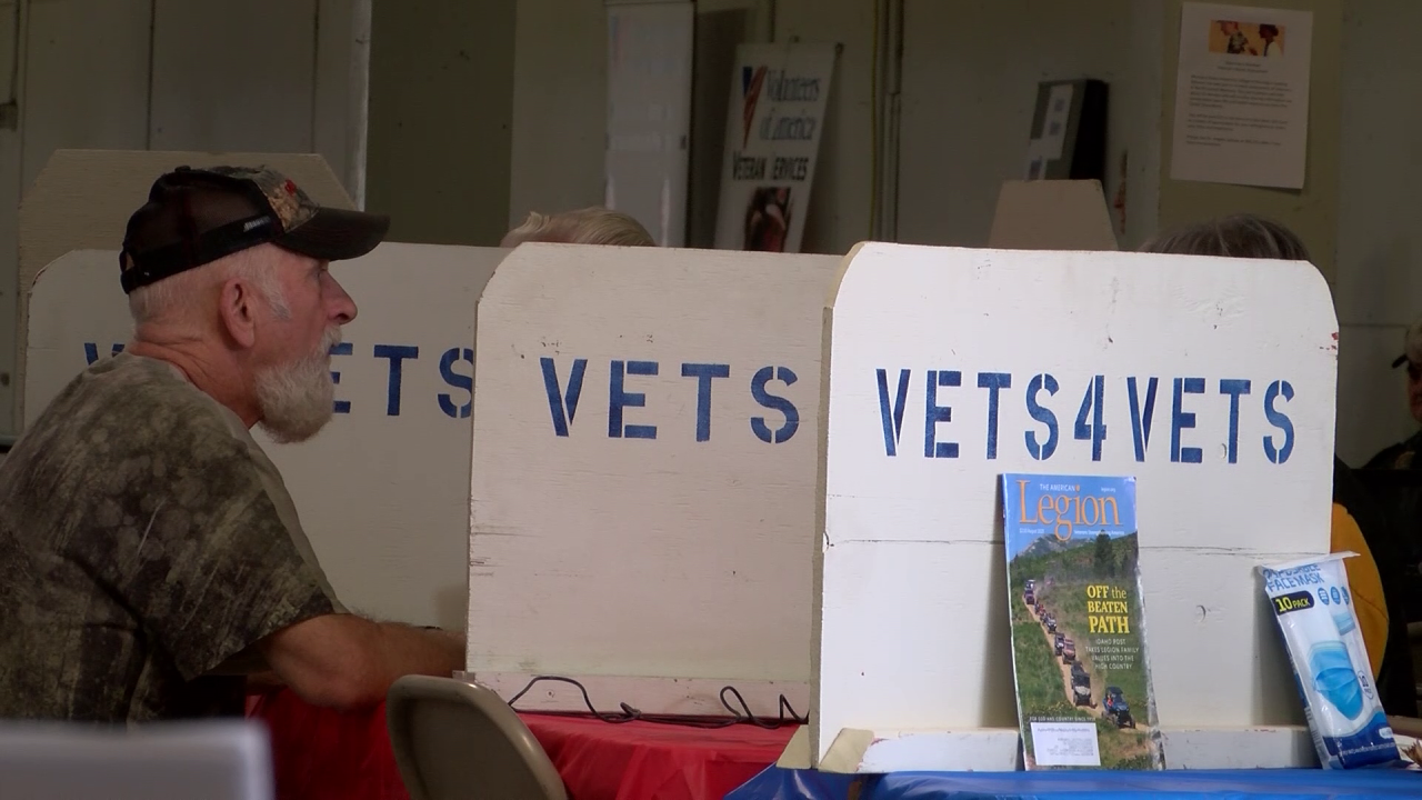 """Vets4Vets annual """"stand-down"""" in Great Falls adds job fair"""