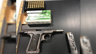 Florida man caught twice bringing loaded gun to airport.jfif