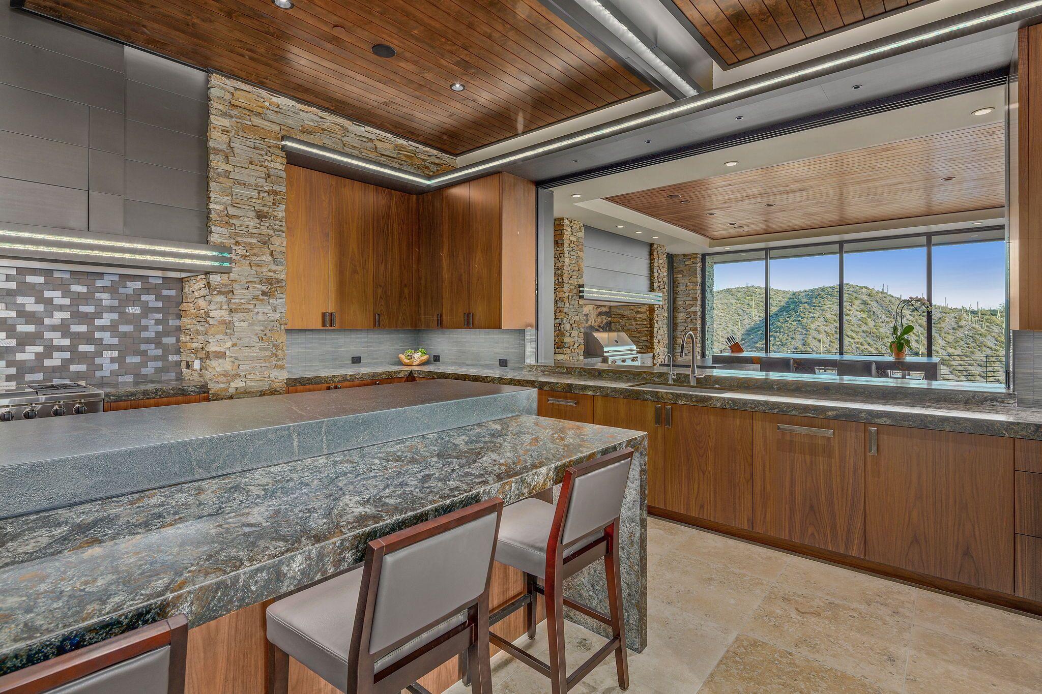 9300+E+Grapevine+Pass+Scottsdale-19-WebQuality-Kitchen_2FBreakfast+Bar.jpg