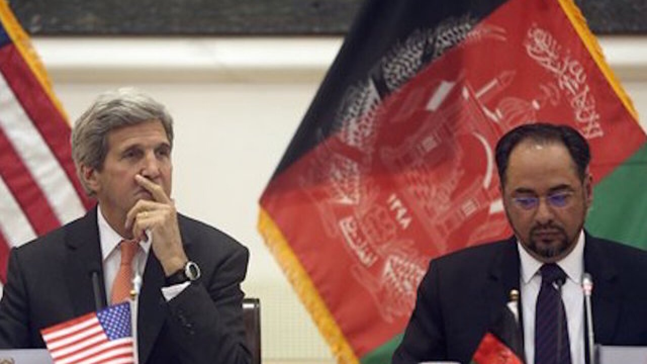 John Kerry tells Afghan leaders to unify