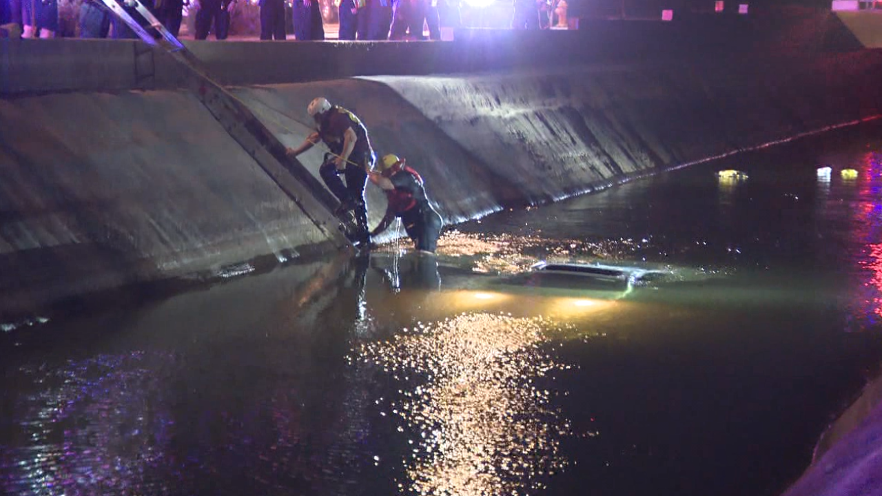 car into canal.PNG