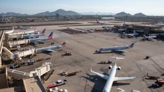 AmericanAirlinesPHX.jpg