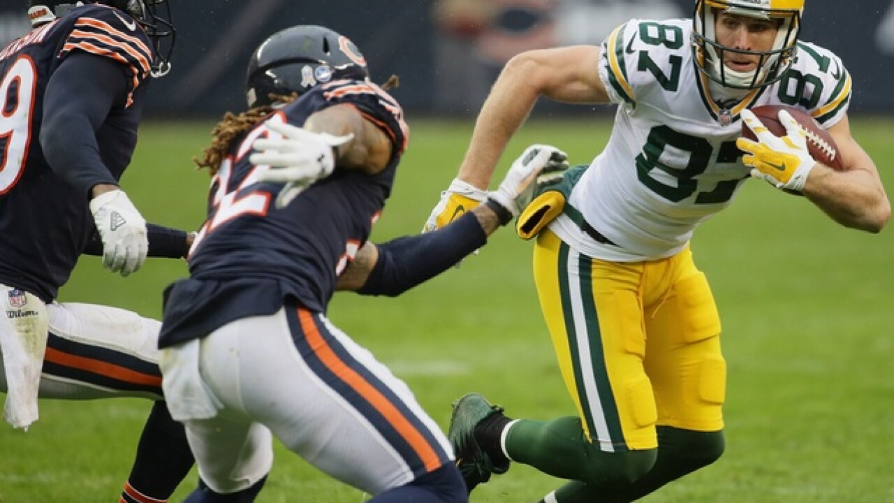 Rodgers tosses to Jordy Nelson in Raiders-Packers preseason game