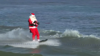 VIDEO: Santa and his helpers go water skiing on Potomac River in Christmas tradition