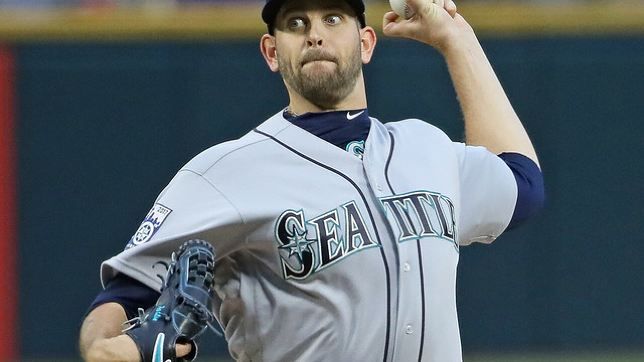 Eagle lands on Seattle Mariners pitcher