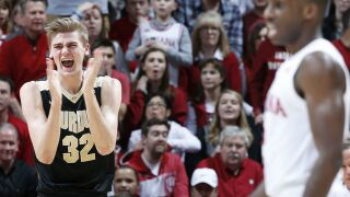 No. 3 Purdue holds off Indiana for record 17th straight win