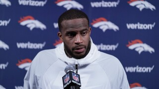 Broncos safety Kareem Jackson tests positive for COVID-19