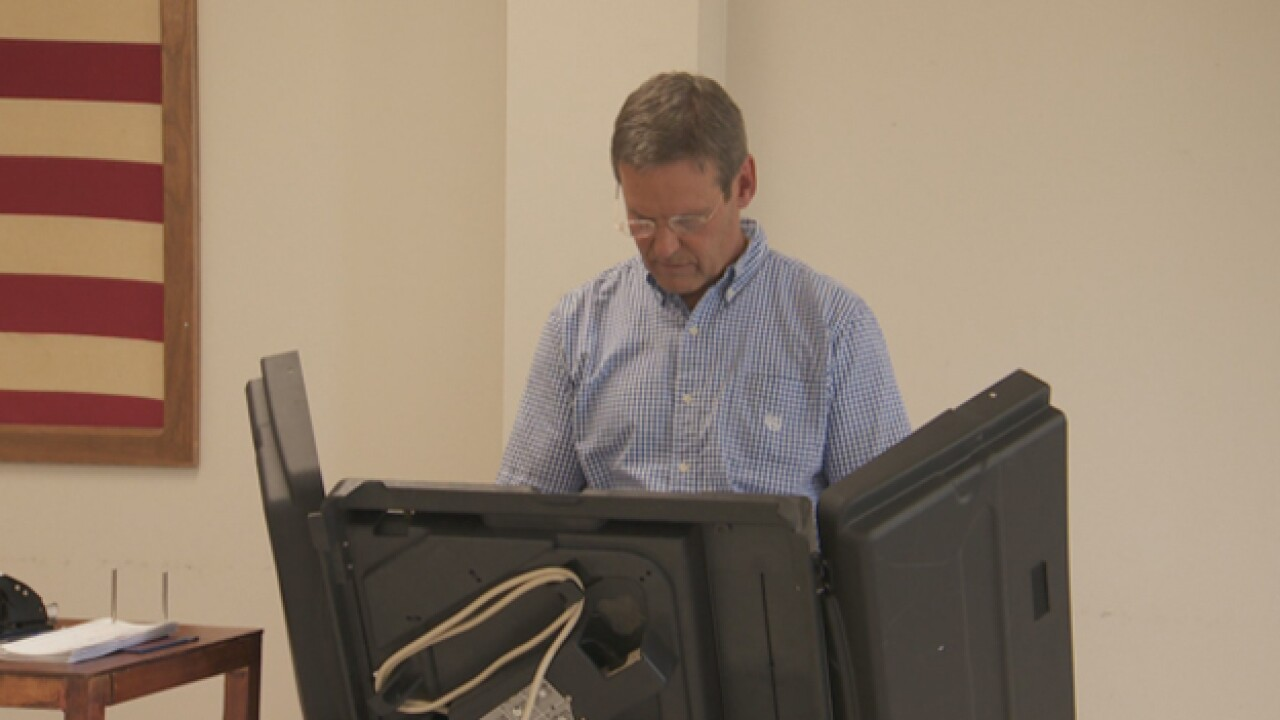 Gubernatorial Candidate Bill Lee Votes Early