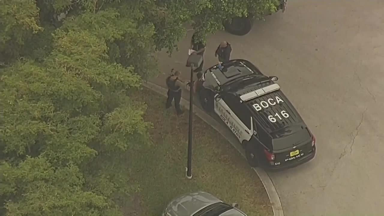 Chopper 5 view of Boca Raton police search for gunman, June 16, 2021