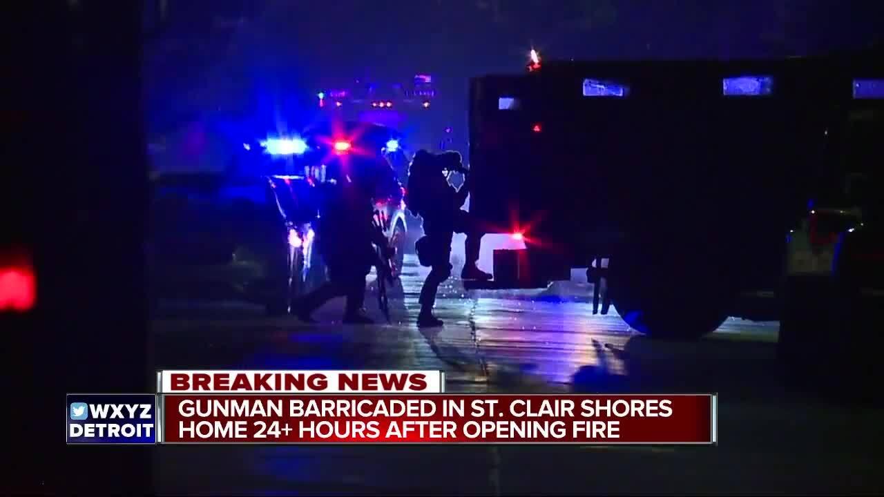 St_clair_shores_barricaded_gunman