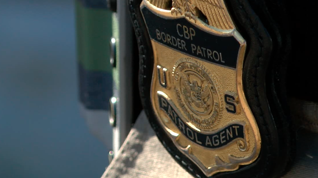 border patrol agent badge.png