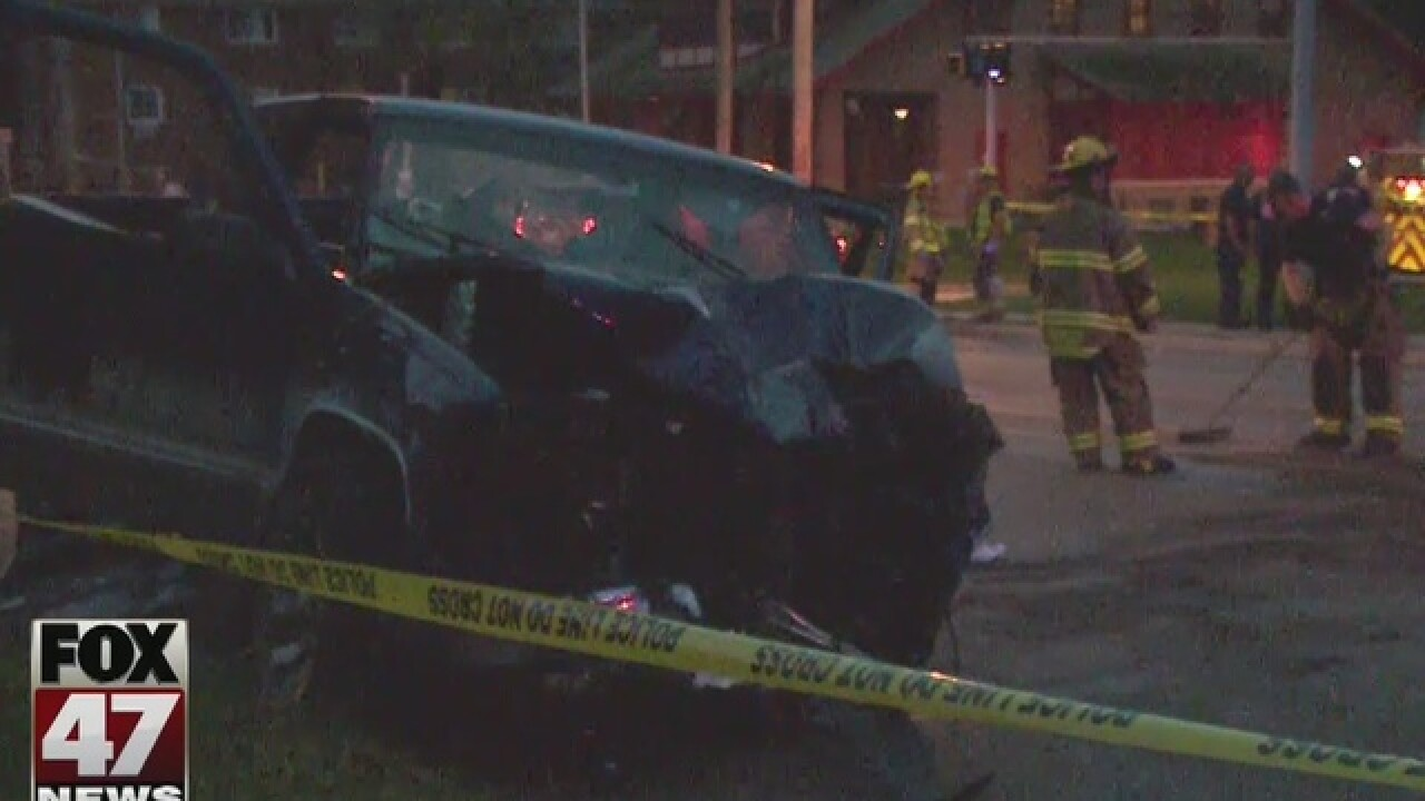 6 hospitalized after car crash in Lansing