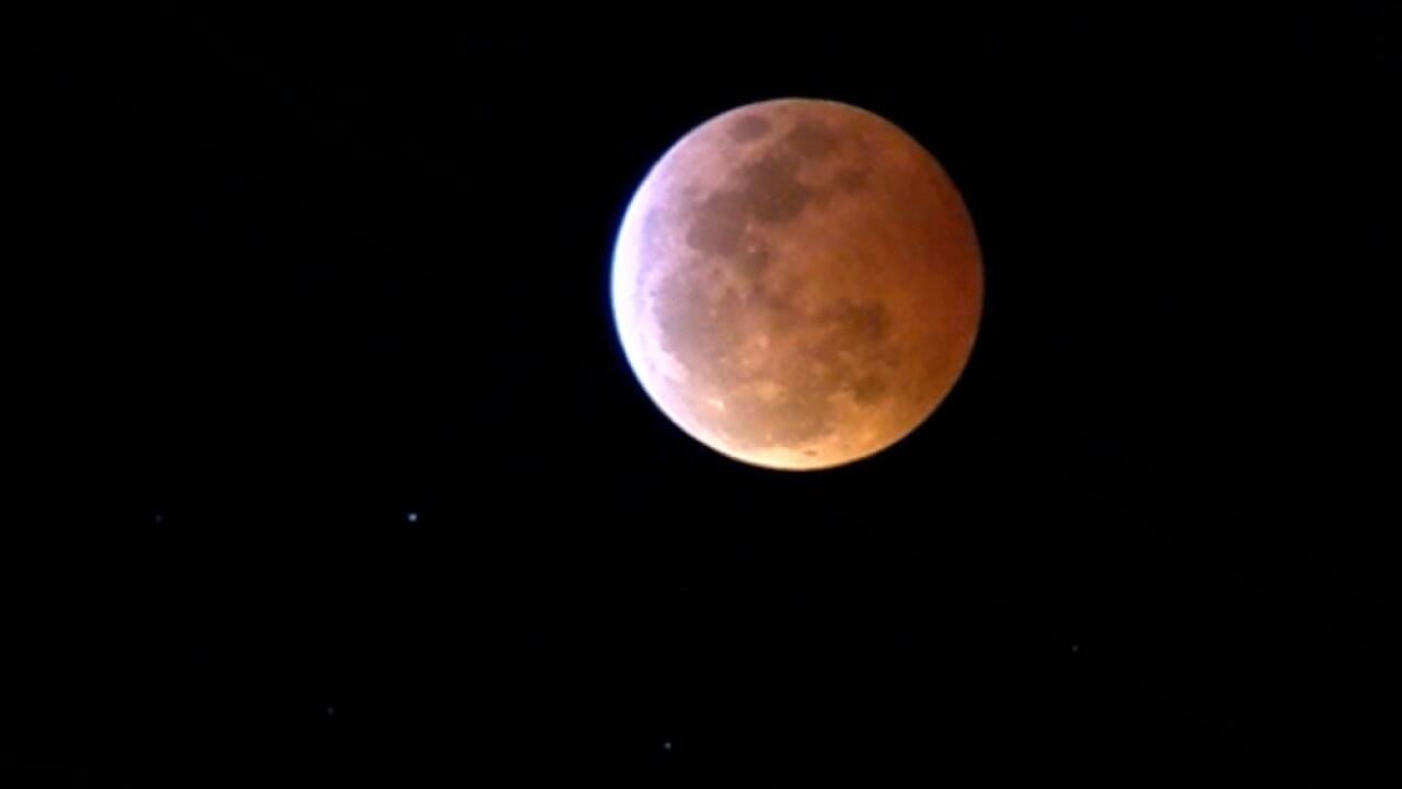 blood moon supermoon eclipse