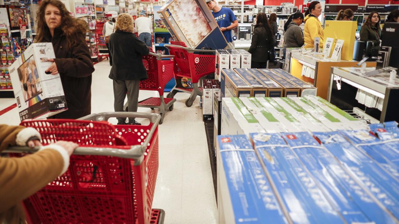 Despite online retail, Black Friday crowds build