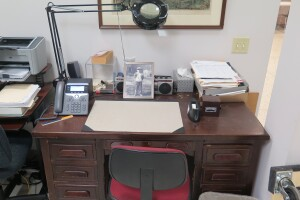 Barb_Ebel_desk_at_Geier.jpg